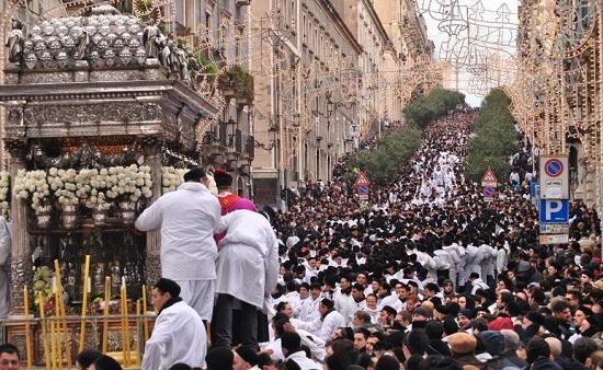 s-agata_stree_procession_550
